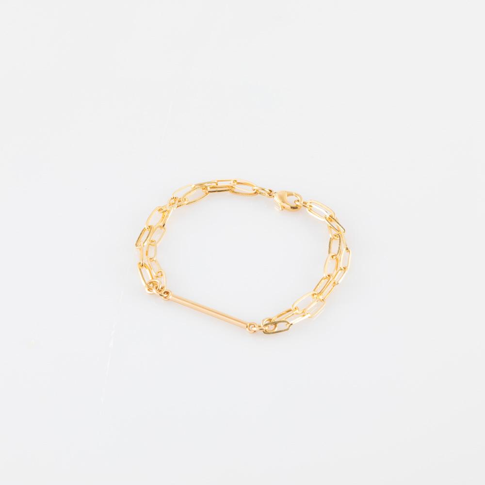 תמונת מוצר, צמיד חוליות כפול, בצבע זהב, עם מקל מאוזן במרכז.