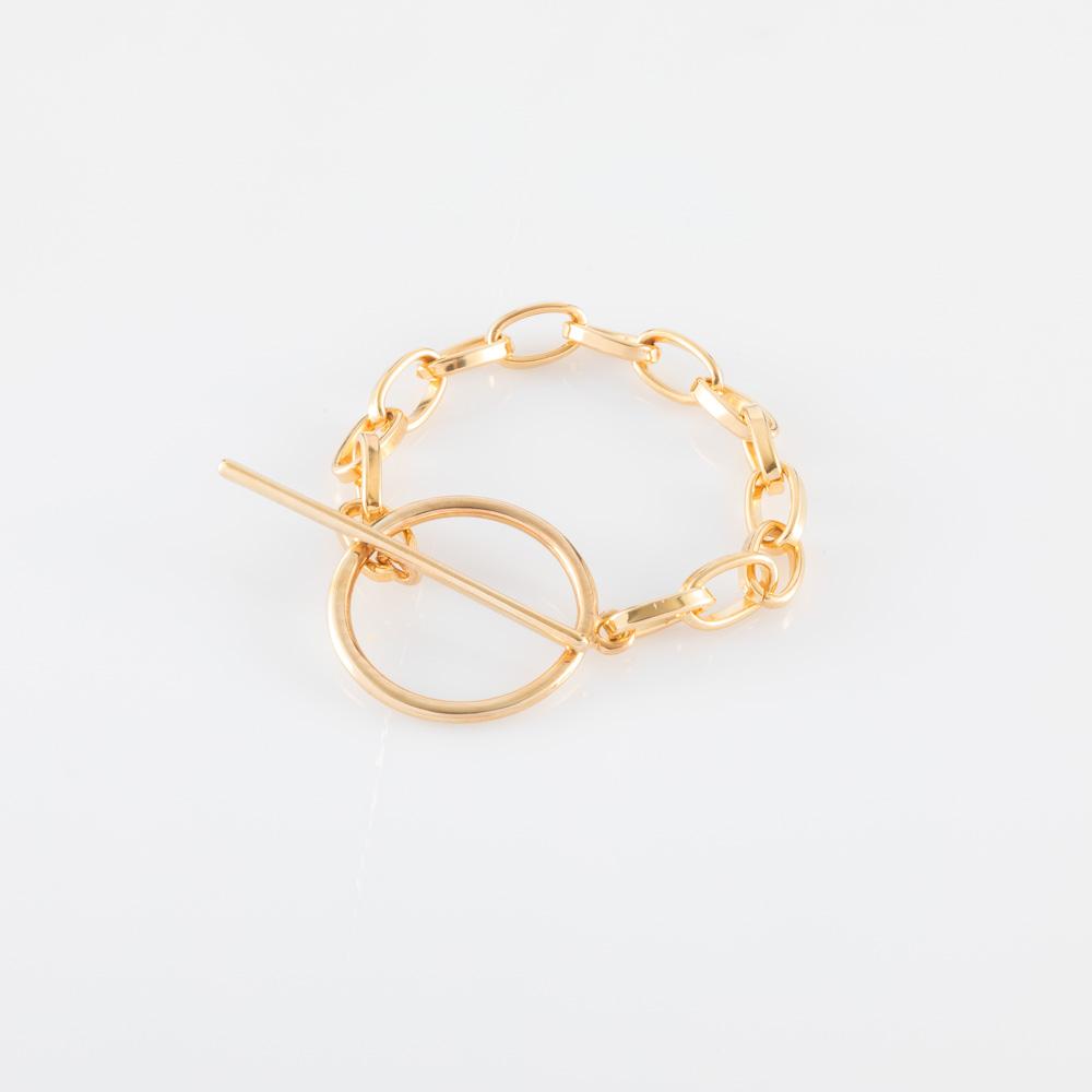 תמונת מוצר, צמיד חוליות גסות בצבע זהב, עם סוגר טי גדול.