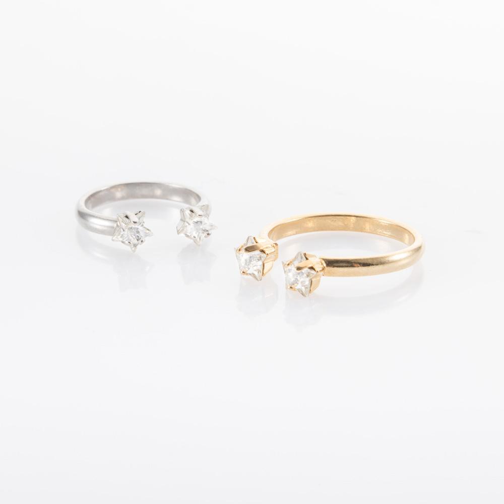 טבעת דקה עדינה עם אבן כוכב שקופה בכסף או זהב