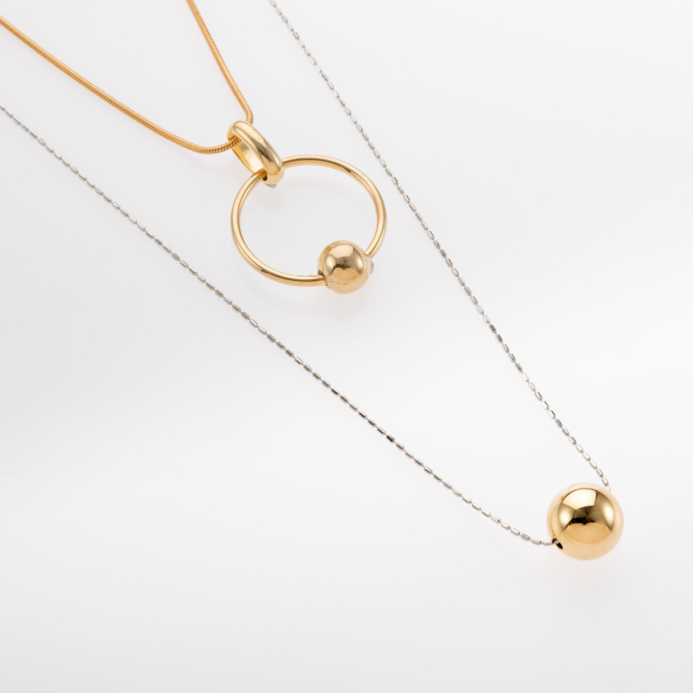 שרשרת כפולה בשילוב זהב וכסף ותליוני כדור