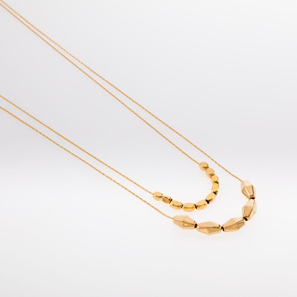 שרשרת זהב כפולה בשילוב חרוזים